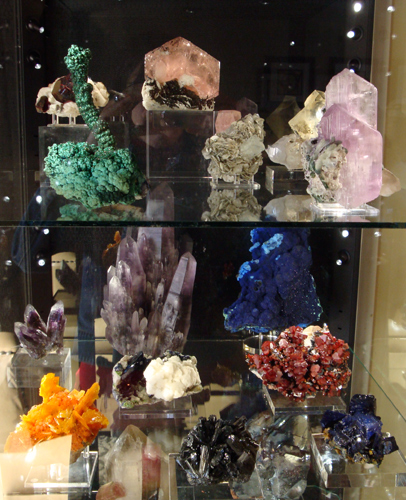 Fine minerals at the Huntsville Gem, Jewelry, and Mineral Show